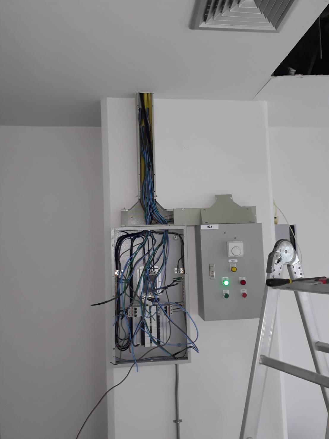 ช่างซ่อม ไฟฟ้า ปั้มน้ำ 0882750965 idline @ckj5753k